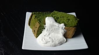 Matcha chiffon cake with sweet bean with whipped cream