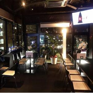 ファンタジスタでは皆様に満足していただけるよう個室もご用意しております。みんなでワイワイお食事・ドリンクを楽しんでください!