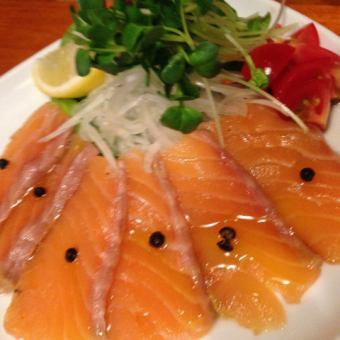 Smoked salmon carpaccio salad