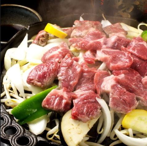 TV에서 소개! 엄선 된 생 양고기 징기스칸! / 일본식 국물을 자랑하는 생 양고기 샤브샤브