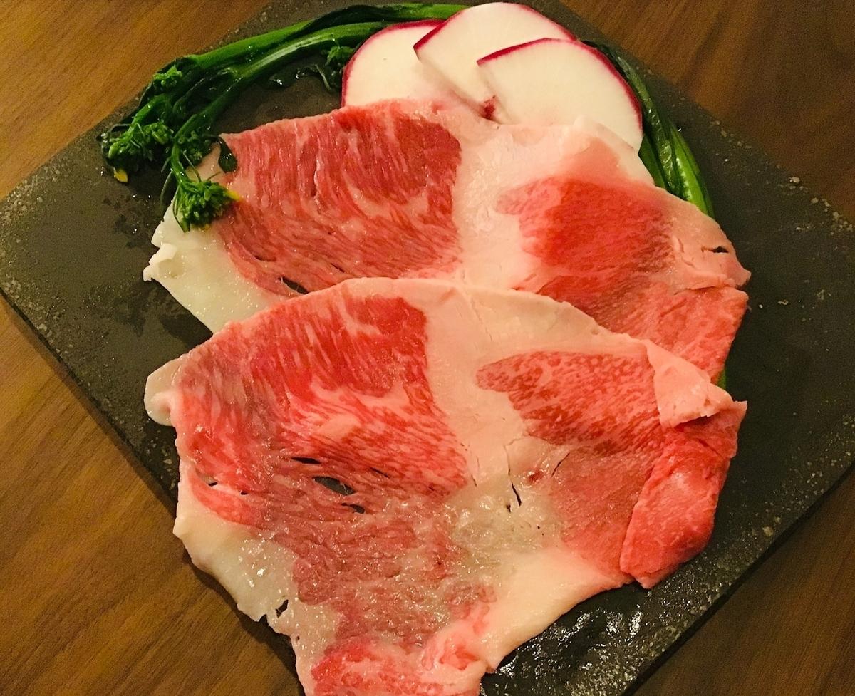 村上牛肉的大型烧烤