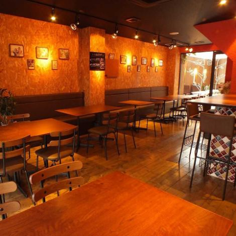 The table seat is the main spacious building.◎ from the everyday use to the girls' party, banquet and reunion