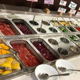 サラダバーの種類が豊富!栄養バランスもばっちり。※写真はイメージです。
