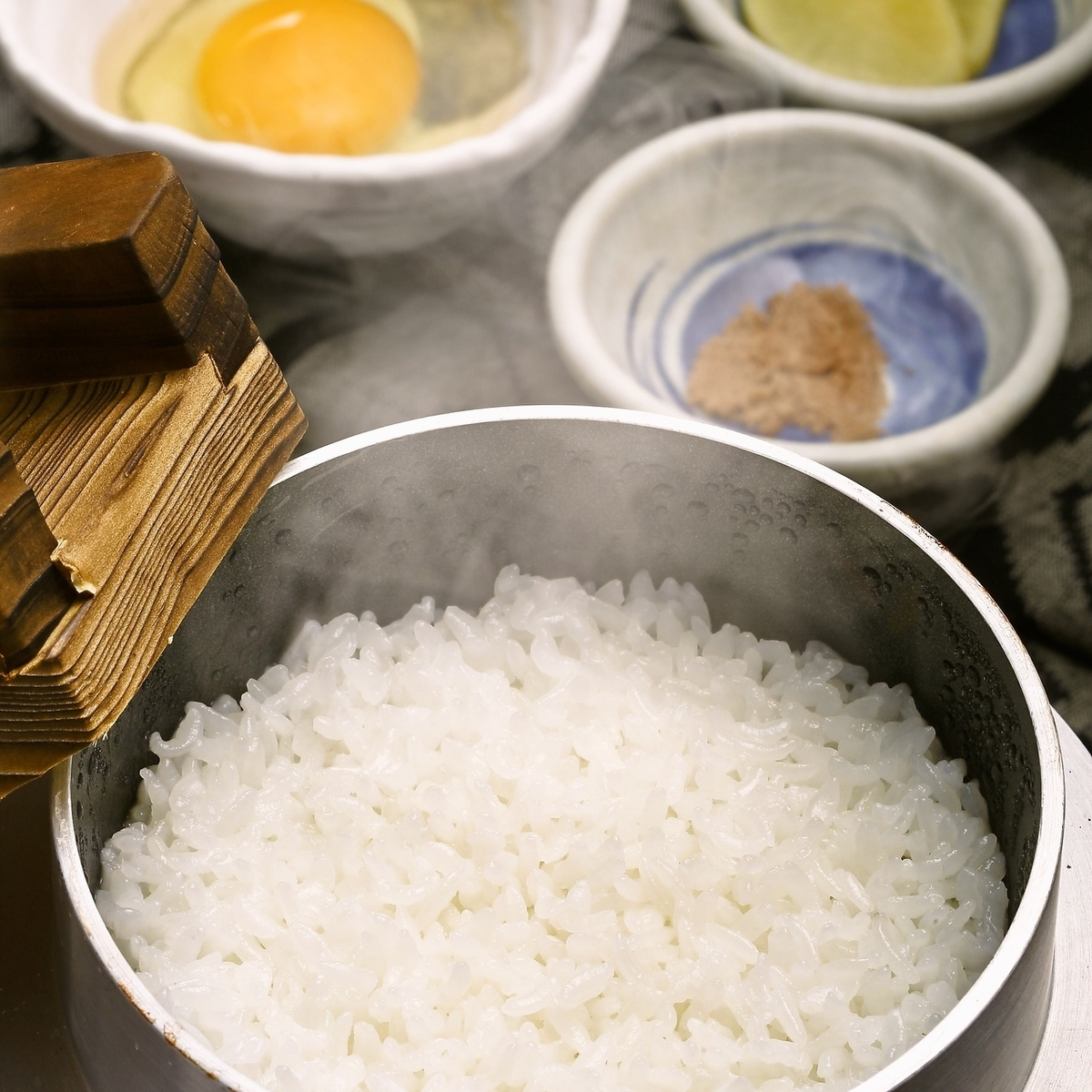Tosa Jiro's freshly cooked eggs and kakamehi