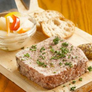 """Pate de Campagne"" using southern plateau pig from Iwate Prefecture"