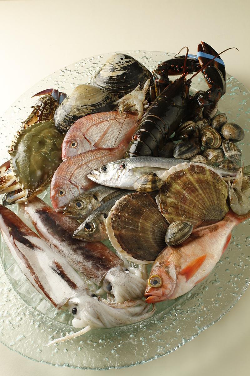 전국의 계약 어항 직송! 요리사 혼신의 일일 생선 요리