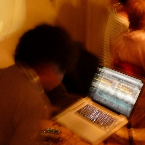 DJ讓地板火爆!!