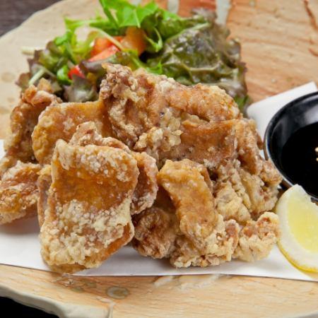 ピリ辛手羽先の甘辛和え/若鶏の唐揚げオリジナルソース