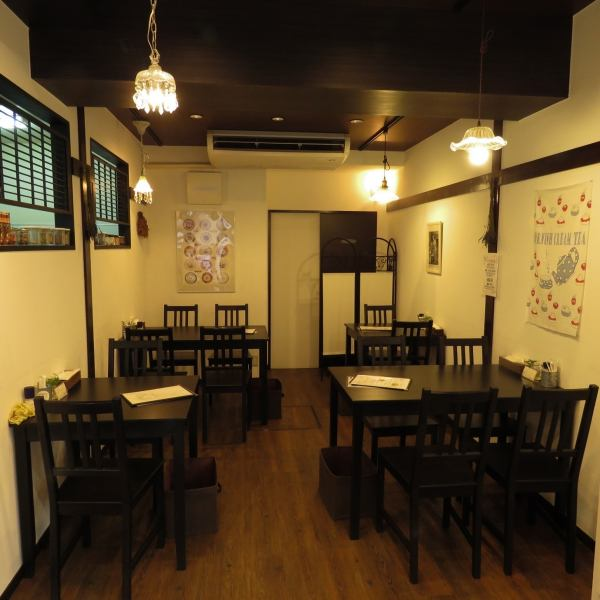The inside of the shop is calm wood grain tone, so to make you relax, we try to make simple decoration as much as possible.For that reason you can enjoy relaxing meals and tea.It is a user-friendly shop in various scenes such as girls' party, mama, and family meals on holiday.