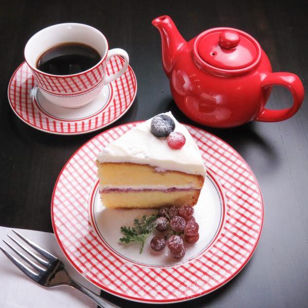 【我們最受歡迎的No.1】蛋糕和茶♪套裝超過200日元!«蛋糕套裝»850日元(含稅)〜