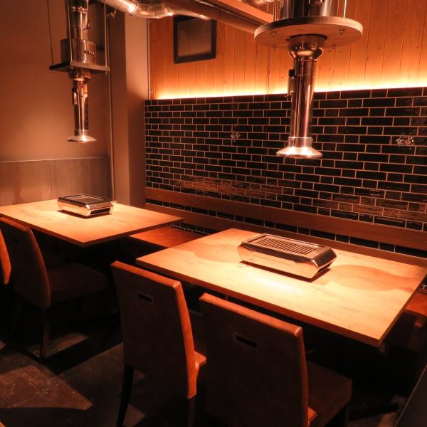 【BOX seat: 4 seats × 2, 6 seats × 1】 It is a little luxurious time surrounding high-quality meat while enjoying the smoky comfortably sitting.
