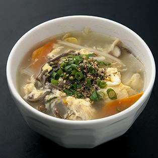 Egg vegetable soup / Wakame soup