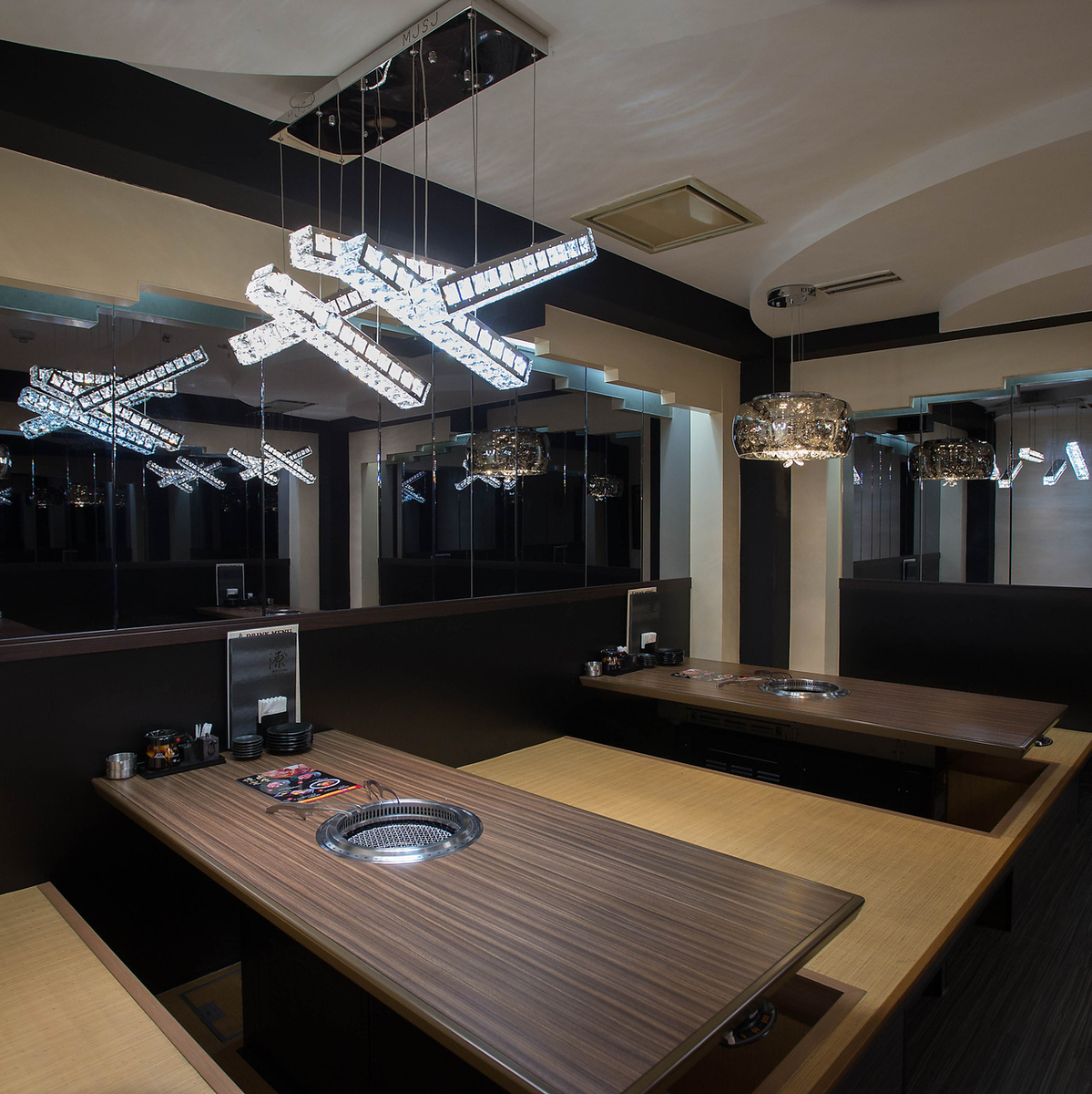 Private room seats for digging can also be guided for 2 people ~ group ♪ You can use it according to various scenes such as weddings second party and parties in a moist mood sticking to light ★ ☆ By floor We would like to invite you to enjoy private room space where atmosphere changes.