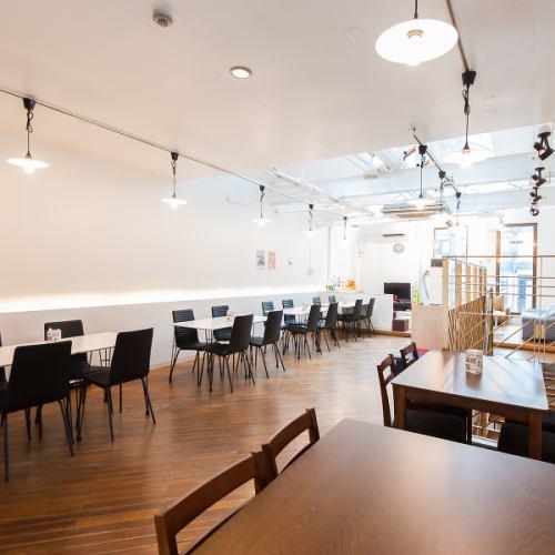 【2F】4名様掛けのテーブル席となります。友人/地元/学生/会社/女子会/ママ会/家族/デート
