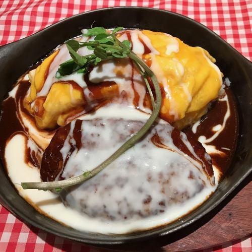 とろーり卵のデミグラスソースオムライス