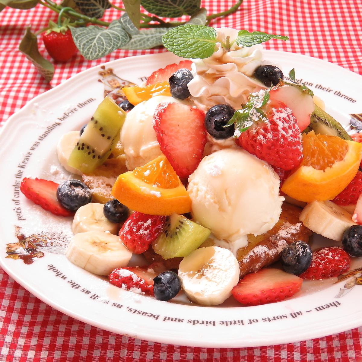 과일 바구니 프렌치 토스트