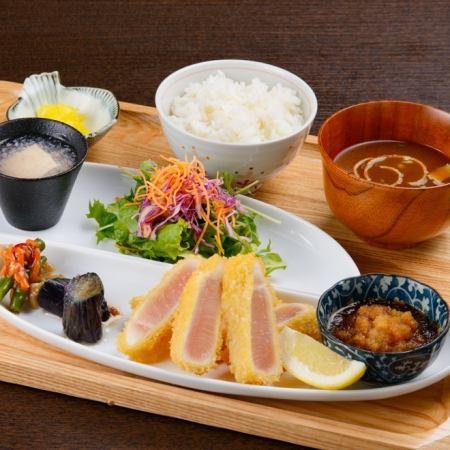 びんちょうマグロのレアカツおろしポン酢定食