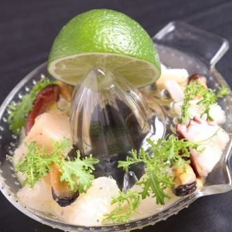 Ceviche of fresh seafood directly from the production area ~ Fresh lime on the spot ~