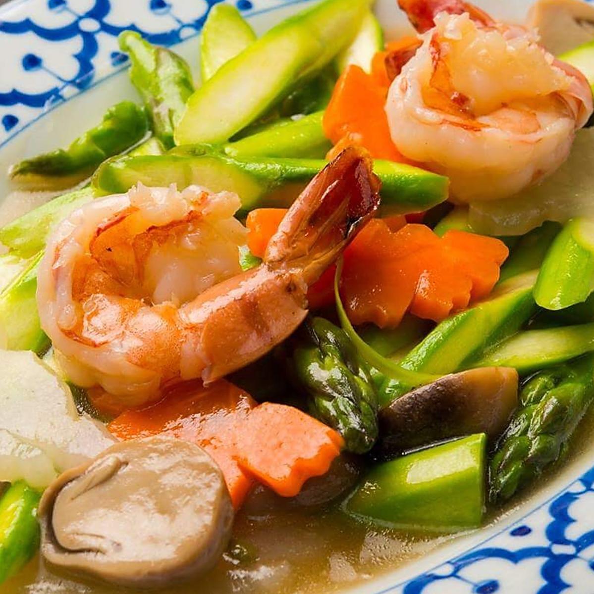 Stir-fried shrimp and asparagus