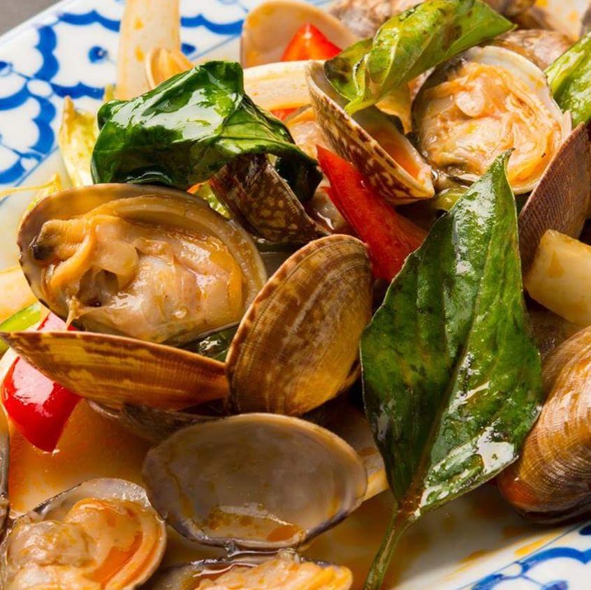 Horai pat (stir-fried basil)