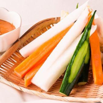■お酒が進む 野菜スティック(特製贔屓みそ添え)
