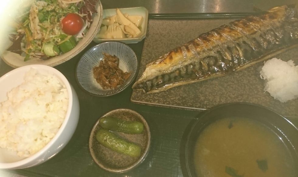 【Lunch】 Special selection salt mackerel set meal 860 yen