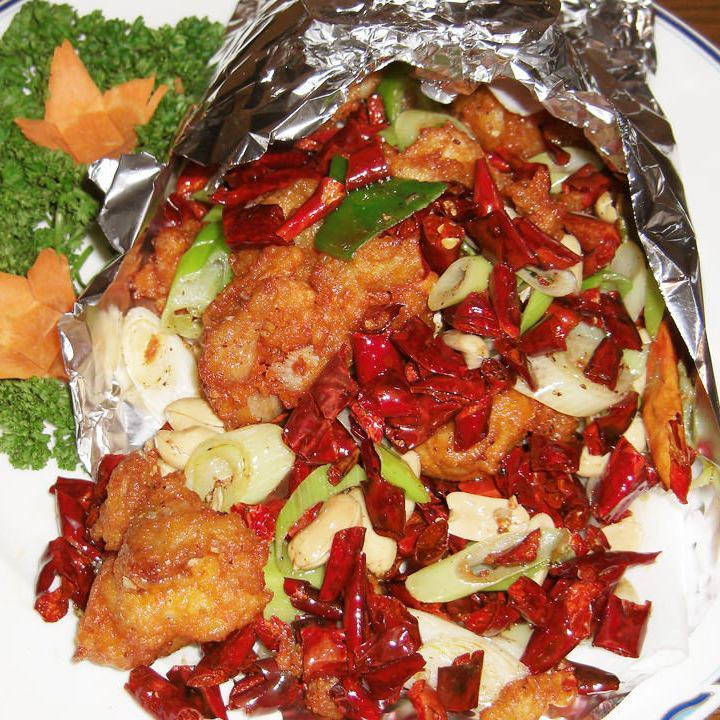 Stir-fried chicken and red peppers