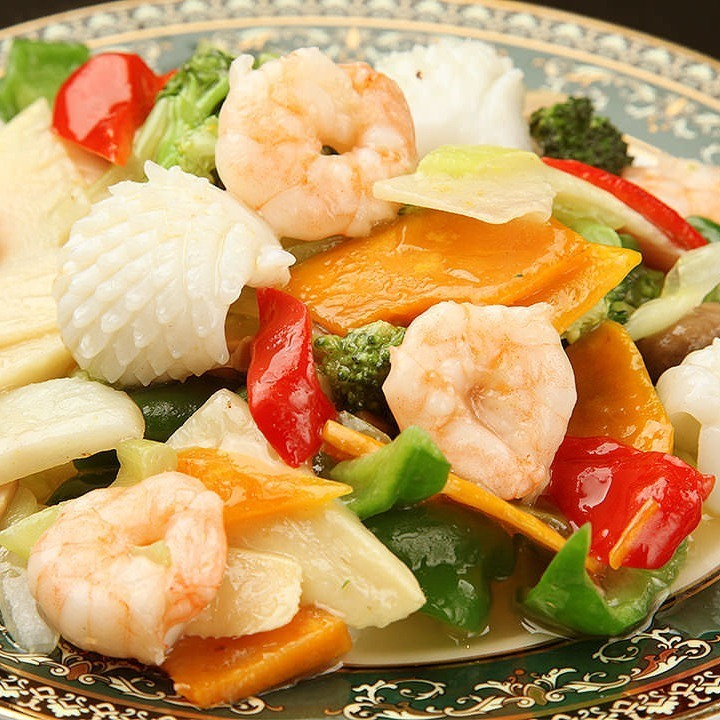Stir-fried seafood and vegetables