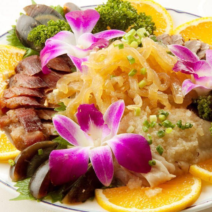 Shanghai cuisine can be enjoyed easily
