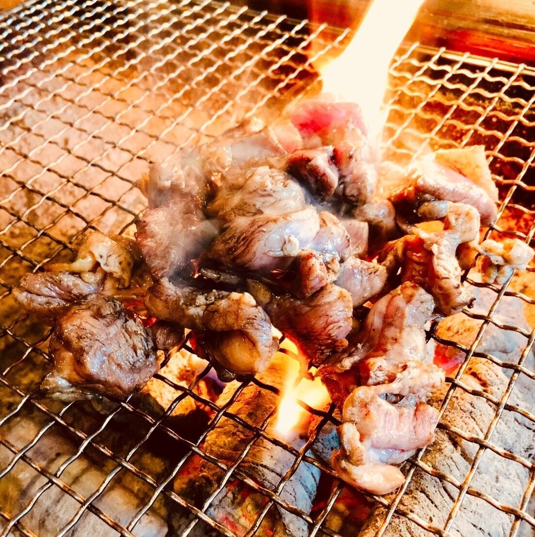 木炭燒烤貼在店主身上