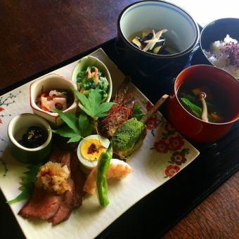 【Lunch】 Full moon flower sushi ◆ 2500 yen