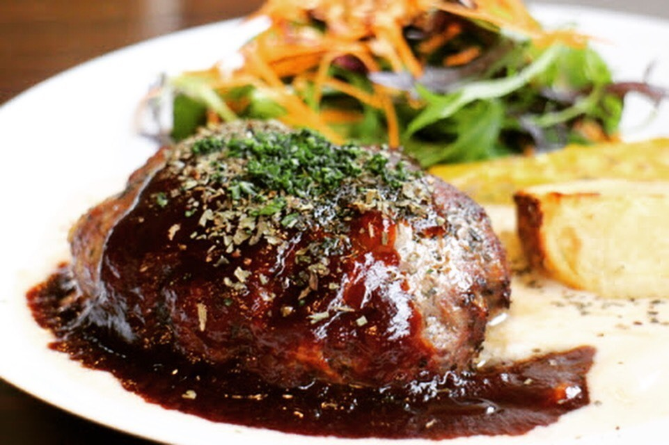【10 meals a day only】 Cost Ratio ◯◯% Kuroge Wagyu beef 100% Hamburger lunch