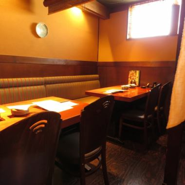 【最多可容納40人的宴會廳】準備了20個人甚至可以使用的包房。它適合新年派對,日派對或女孩派對/媽媽派對。我們將引導您進入一個對兒童安全的私人房間。在商店內吸煙。課程計劃也可以從3500日元到您可以喝的所有。
