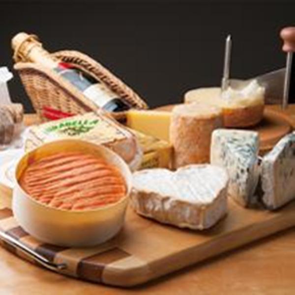 こだわりのチーズ各種