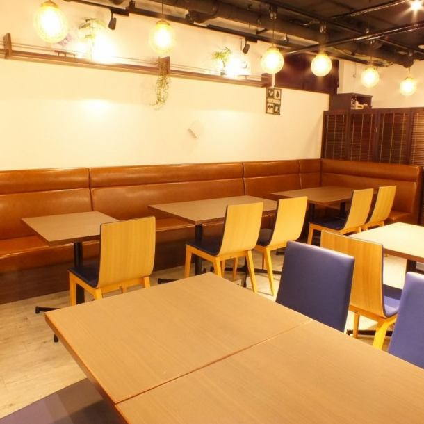 Because the inside of the store is also spacious and many seats are available, we are more likely to use it in various scenes such as dating and couple use, as well as mama meetings and dinner party.
