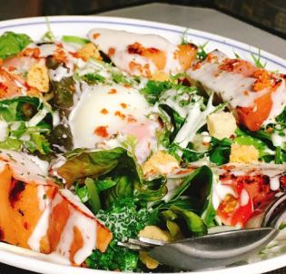 Thickly sliced ​​bacon Caesar salad dumpling