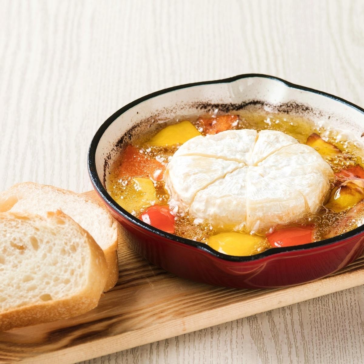 Camembert cheese achillo