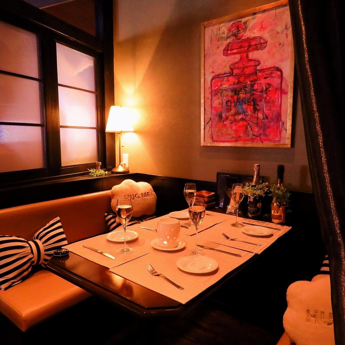 最多可容納4人!非常適合女孩派對或生日派對☆請在時尚的私人房間內精心挑選年邁的肉類和肉類壽司!