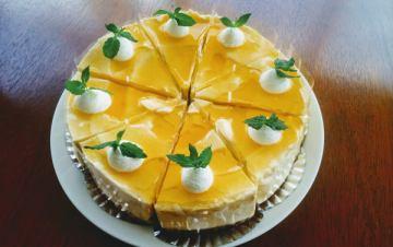 8月のケーキです