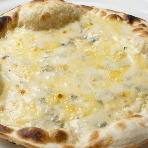 4種チーズのピッツァ