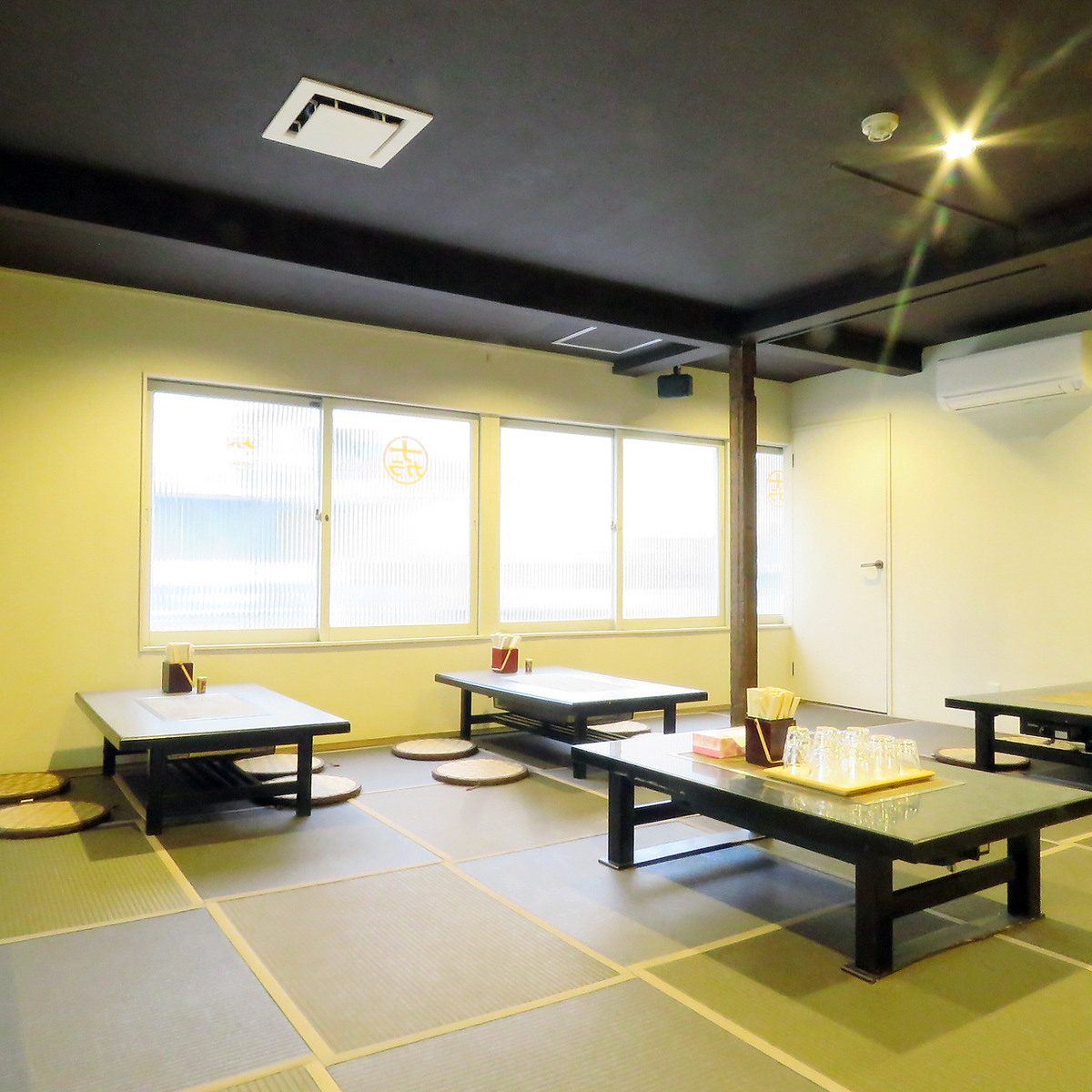 The second floor seats in this is a private room of OK with a maximum of 30 guests.Please make a reservation 2 days in advance.Completely self-directed banquet ★