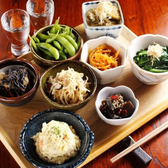 "【Pleasure seasonal ingredients in season】 Small pots changing every season ""Various Arrangements"""