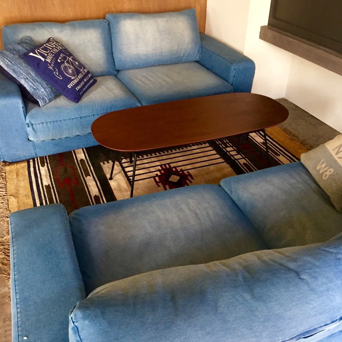 It is perfect for the girls' party! You can dine casually in the sofa seat of denim material.A charter can be booked for 8 to 16 people.※Non smoking seat