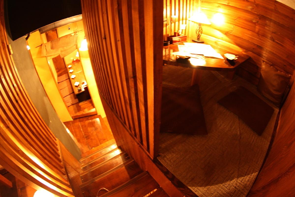 多彩な屋根裏感覚の人気ロフト個室。