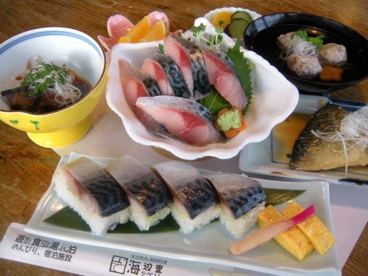 これが「極上さば料理」! さばの刺し身・さば寿司・味噌煮・つみれ汁など時期になると鯖好きが訪れてきます。