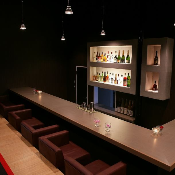 Bar lounge.Prepare over 30 different cocktails for adults including couple seat.