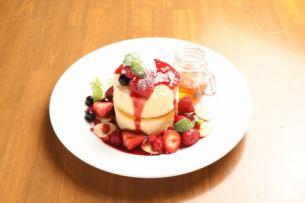 Triple berry berry pan cake