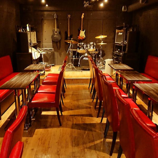 【LIVE & BAR space charter】 The BAR space at the back of the store is equipped with the same acoustic facilities and equipment as the karaoke · LIVE house.You can use it for karaoke and casual party as well as for full-scale band performance and LIVE holding! We also accept lending of musical instruments, so feel free to inquire us ♪