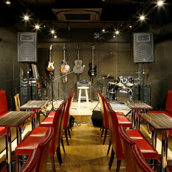 Maximum number of 70 people ◎ Deluxe sound & 5 large monitor ♪