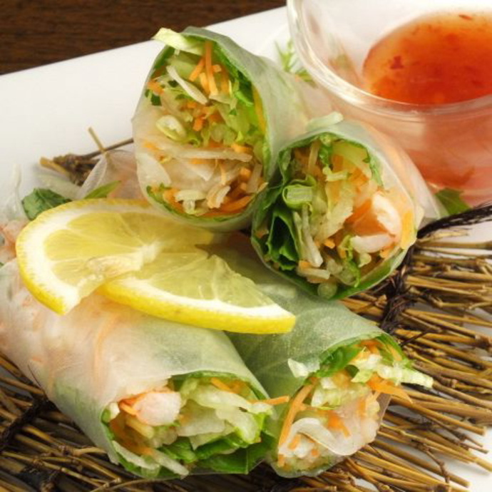 Rice paper with sweet shrimp and avocado roll